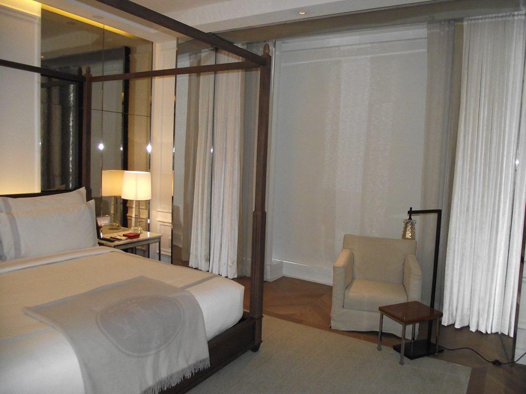 Image Baccarat-Hotel-Suite-2-2-1024x768