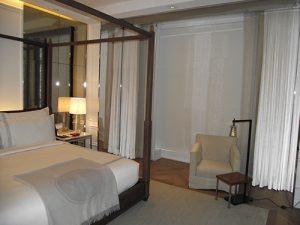 Image Baccarat-Hotel-Suite-2-300x225